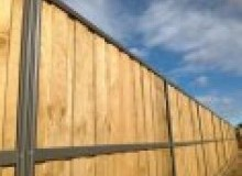 Kwikfynd Lap and Cap Timber Fencing mudamuckla